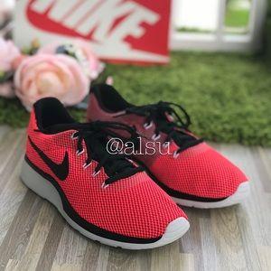 NWT Nike Tanjun Racer Tropical 🌴 Pink WMNS